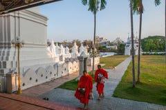 Chiang Mai, aumône de matin de la Thaïlande photos libres de droits