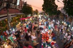 Chiang Mai marknad som går gatan Arkivfoton