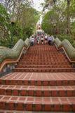 Chiang Mai, pierre célèbre de la Thaïlande Suthep Doi Suthep fait un pas Ssangyong Images libres de droits