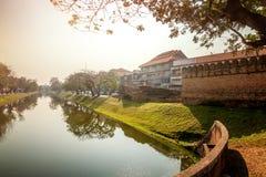 Chiang Mai stad, flodkanalen runt om den gamla staden arkivbilder