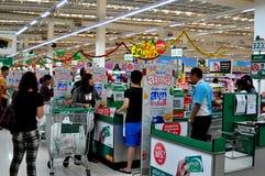 Chiang Mai, Tailândia: Superstore de Tesco-Lotus fotos de stock royalty free