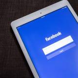 CHIANG MAI, TAILÂNDIA - 21 DE OUTUBRO DE 2014: Si da aplicação de Facebook Imagens de Stock