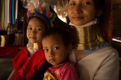 CHIANG MAI, TAILAND - 22 DE ABRIL DE 2016: Um retrato de uma família para Imagem de Stock Royalty Free