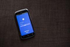 CHIANG MAI, TAILANDIA - 21 OTTOBRE 2014: Si di applicazione di Facebook Immagine Stock Libera da Diritti