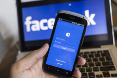 CHIANG MAI, TAILANDIA - 21 OTTOBRE 2014: Si di applicazione di Facebook Fotografia Stock