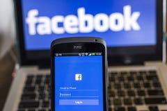 CHIANG MAI, TAILANDIA - 21 OTTOBRE 2014: Si di applicazione di Facebook Fotografia Stock Libera da Diritti