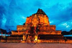 Chiang Mai, Tajlandia Iluminująca Chedi Luang pagoda przy Wata Chedi Luang świątynią obraz royalty free