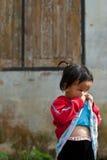 CHIANG MAI TAJLANDIA, PAŹDZIERNIK - 23: niezidentyfikowani dzieci jedzą sna Obraz Royalty Free