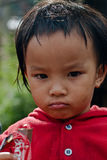 CHIANG MAI TAJLANDIA, PAŹDZIERNIK - 23: niezidentyfikowani dzieci jedzą sna Obrazy Royalty Free