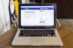 CHIANG MAI TAJLANDIA, PAŹDZIERNIK, - 21, 2014: Facebook zastosowanie si Obrazy Stock