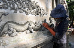 Chiang Mai, TH: Artisan Creating Wall Dragon Stock Images