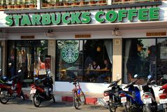Chiang Mai, TH: Starbucks Coffee Shop Stock Photography