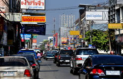 Chiang Mai, TH: Traffico su Thanon Chotana Fotografia Stock