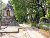 Chiang Mai - Thaïlande - templo ancien o ville do la dos dans imagens de stock royalty free