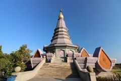 Chiang Mai, Thaïlande - 25 mars 2017 : Paysage de pagoda de Phramahathat Napaphol Bhumisiri chez Doi Inthanon, Chiangmai, Thailan Photographie stock libre de droits