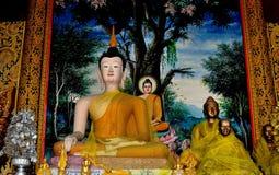 Chiang Mai, Thaïlande : Wat Chedi Liem Buddhas Photos stock