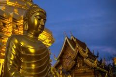Chiang Mai Thailand - April 11 2017: Berömd tempel Doi Suthep i Thailand Fotografering för Bildbyråer