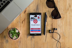 CHIANG MAI,THAILAND - AUG  08,2016 : LG G4 with social Internet. Service Pinterest on the screen. Pinterest is an online pinboard that allows people to pin Stock Photos
