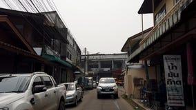 Chiang Mai Thailand - 2019-03-15 - bildrev ner den lilla gatan som sett från framdel stock video