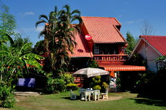 Chiang Mai Thailand: Exklusivt familjhem Royaltyfri Foto
