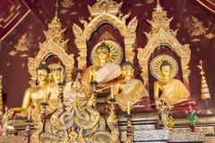 Chiang Mai, Thailand - 24 februari 2015: Buddastandbeelden in Wat Chang Royalty-vrije Stock Fotografie