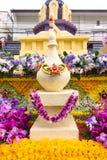 CHIANG MAI THAILAND - FEBRUARI 3: Ståtabilarna dekoreras med många olika sorter av blommor i ettåriga växten 42. Chiang Mai Royaltyfri Fotografi