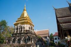 Chiang Mai Thailand - Februari 17 2015: Wat Chiang Man en berömda Te Royaltyfri Fotografi
