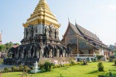 Chiang Mai Thailand - Februari 17 2015: Wat Chiang Man en berömda Te Royaltyfria Bilder