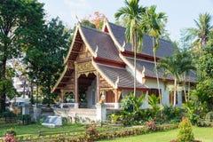 Chiang Mai Thailand - Februari 17 2015: Wat Chiang Man en berömda Te Royaltyfri Foto