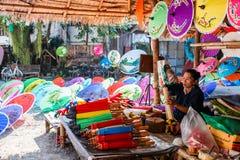 CHIANG MAI, THAILAND 19. JANUAR: 31. Jahrestag Bosang-Regenschirm Stockbild