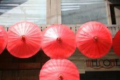 CHIANG MAI THAILAND - JANUARI 19, 2018 - Bo Sang Umbrella Festival Rymt i Januari av varje år Bo Sang Umbrella Handicraft arkivbilder