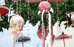 CHIANG MAI THAILAND - JANUARI 19, 2018 - Bo Sang Umbrella Festival Rymt i Januari av varje år Bo Sang Umbrella Handicraft Cen arkivfoton