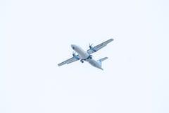 Chiang Mai Thailand - Maj 17: ATR72-500 av Kan Airlines landning Arkivfoton