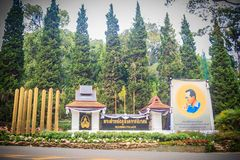 Chiang Mai Thailand - Maj 3, 2017: Bhubing slottingång, Arkivfoto