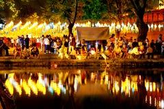 CHIANG MAI THAILAND - NOVEMBER 12, 2008: Färgrik lyktadeco Royaltyfri Foto