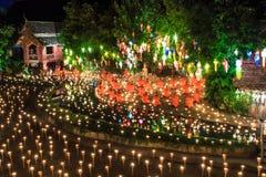 CHIANG MAI 17 THAILAND-NOVEMBER: Loy Krathong-festival in Wat Pan Tao royalty-vrije stock foto