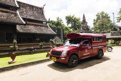 CHIANG MAI THAILAND - OKTOBER 7: Iconic traditionell röd lastbil t Fotografering för Bildbyråer
