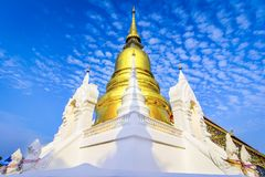Chiang Mai, Thailand: Wat Suan Dok Chedis, Boeddhistische tempel, Wat i Stock Foto's