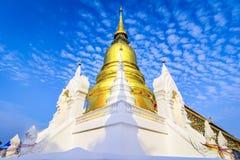 Chiang Mai Thailand: Wat Suan Dok Chedis buddistisk tempel, Wat I Arkivfoton