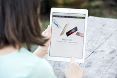 CHIANG RAI, ΤΑΪΛΆΝΔΗ - 13 ΣΕΠΤΕΜΒΡΊΟΥ 2015: Ιστοί υπολογιστών της Apple Στοκ φωτογραφία με δικαίωμα ελεύθερης χρήσης