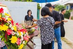CHIANG RAI, ТАИЛАНД - 19-ОЕ НОЯБРЯ: неопознанное PA тайских людей Стоковое Изображение RF