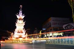 Chiang Rai-klok-toren het onderhouden de prestaties hebben lichten en kleuren Royalty-vrije Stock Afbeelding