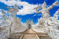 Chiang Rai, Tailandia, Asia: Wat Rong Khun o templo blanco del templo, señal de Chiang Rai foto de archivo