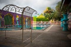 CHIANG RAI, TAILANDIA - 26 de mayo de 2017: La zona de la piscina en el hotel adorna con el estilo de Marruecos Foto de archivo libre de regalías