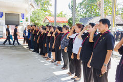CHIANG RAI, TAILANDIA - 19 DE NOVIEMBRE: muchacho civil tailandés no identificado imagen de archivo