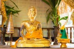 Chiang Rai, Tailandia - 1° marzo 2015: Wat Phra That Phukhao in Gol Fotografia Stock Libera da Diritti