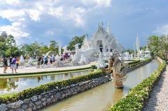 Chiang Rai, Tailandia - noviembre 20,2012: Wat Rong Khun Fotos de archivo