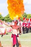 CHIANG RAI, TAILANDIA - 19 SETTEMBRE: giocoliere non identificate del fuoco Immagine Stock Libera da Diritti