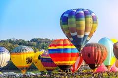 CHIANG RAI, THAILAND - FEBRUARI 16: Kleurrijke ballon bij SINGHA Stock Foto's