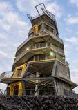 CHIANG RAI, THAILAND - 11. MÄRZ 2017: Zipline-Turm an Singha-Park, Chiang Rai-Provinz, Thailand Stockfotos